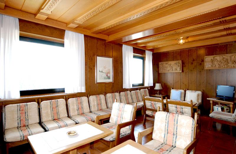 Sala da pranzo e cucina curata bar e soggiorno hotel garden